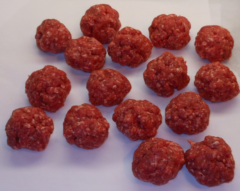 I divided the meat (remember I'm working with 4 pounds) into 16 relatively equal balls.